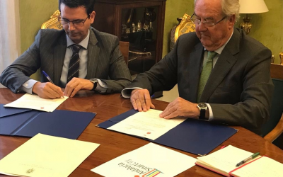 El Ayuntamiento de Granada y el Cluster Andalucía Smart City firman un convenio para el desarollo inteligente de la ciudad